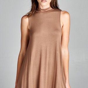 Dresses & Skirts - Sleveless round neck dress